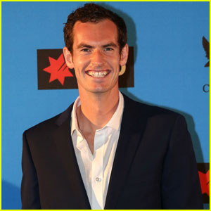 Tennis Pro Andy Murray Suits Up for Hopman Cup 2016