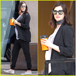 Pregnant Anne Hathaway Shops For Baby Items with Her Hubby!