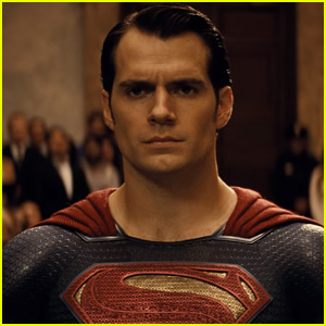 'Batman v Superman' Promo Trailer Reveals Brand New Footage - Watch Now!