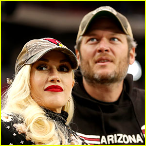 Blake Shelton Responds to Gwen Stefani Pregnancy Rumors