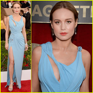 Brie Larson Steps Out in Baby Blue Versace at SAG Awards 2016