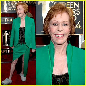 Carol Burnett Wears Her Slippers to SAG Awards 2016!