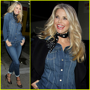 Christie Brinkley Knows How to Multi-Task in her Denim