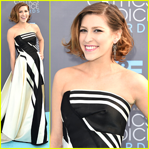 The Middle's Eden Sher Wows At Critics' Choice Awards 2016