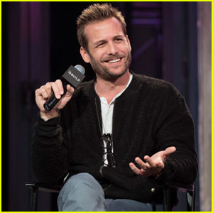 Gabriel Macht Looks Super Hot While Promoting 'Suits' in NYC