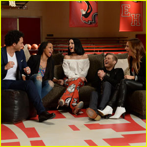 Watch the 'High School Musical' Cast Reunite on 'GMA' Without Zac Efron (Video)
