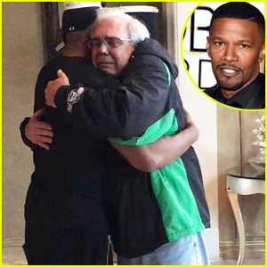 Jamie Foxx Has Emotional Meeting with Father of the Man He Pulled From Burning Car
