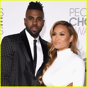 Jason Derulo Brings New Girlfriend Daphne Joy to People's Choice Awards 2016