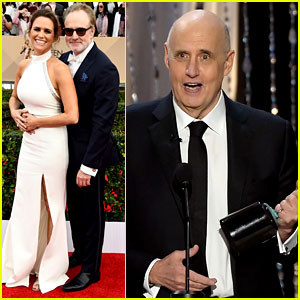 Jeffrey Tambor Wins for 'Transparent' at SAG Awards 2016!
