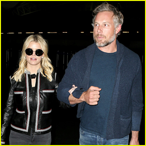 Jessica Simpson & Hubby Eric Johnson Touch Down In NYC!