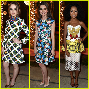 Joey King & Emily Robinson Have Fun with Florals at JJJ's 'Star Darlings' Dinner!