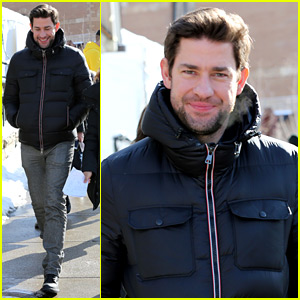 John Krasinski Reacts to Jenna Fischer's 'Genuinely in Love' Comment About Their Relationship