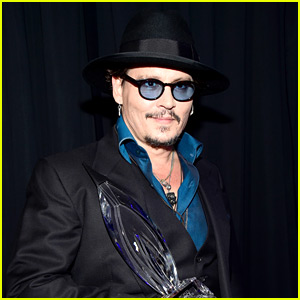 Johnny Depp Jokes About 'Black Mass' Dance Sequences at People's Choice Awards 2016