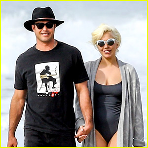 Lady Gaga & Taylor Kinney Hit the Beach After the Globes