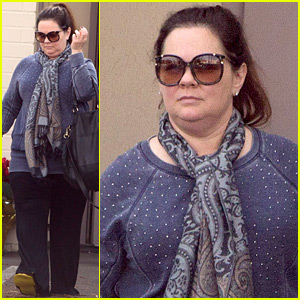 Melissa McCarthy Pampers Herself Before Critics' Choice Awards 2016