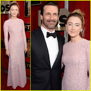 Saoirse Ronan Stuns In Pink at SAG Awards 2016