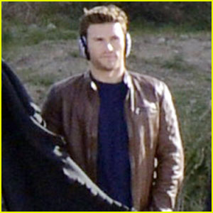 Scott Eastwood Warms Up His Crotch on 'Overdrive' Set