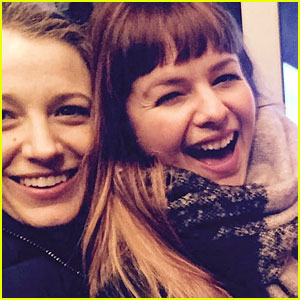Blake Lively Jokes 'Sisterhood of the Traveling Pants' Cast are Now 'Sister Wives'