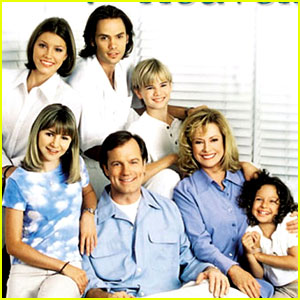Jessica Biel & '7th Heaven' Stars Reunite Sans Stephen Collins