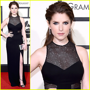 Anna Kendrick Reacts To Ellie Goulding & Andra Day's Duet Performance At Grammys 2016