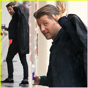 Ben McKenzie Slept in a Bunk Bed When He First Moved to NYC!