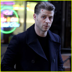 Ben McKenzie Sports Bloody Face During 'Gotham' Filming