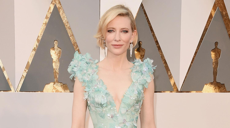 Amazoncom Carol Bluray Cate Blanchett Rooney Mara