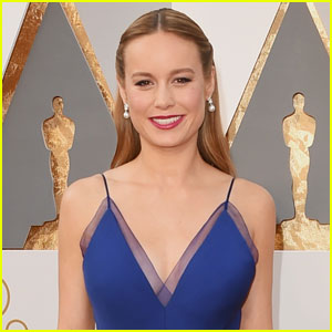 Brie Larson Hugs Sexual Assault Survivors After Lady Gaga's Performance at Oscars 2016 (Video)