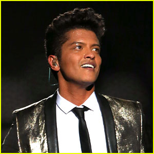 Bruno Mars Confirms Super Bowl 2016 Performance!