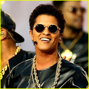 Bruno Mars Thanks Beyonce & Coldplay for 'Incredible' Super Bowl Experience