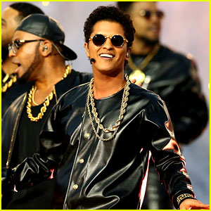 Bruno Mars: Super Bowl Halftime Show 2016 Video - WATCH NOW!