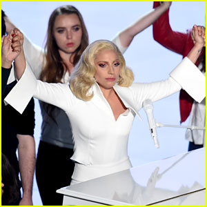 Celebs Praise Lady Gaga's Oscars Performance - Read Tweets