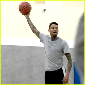 Chris Brown Gets Sweaty During Pick-Up Basketball Game
