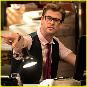 Chris Hemsworth in 'Ghostbusters' - First Look Photo Revealed!
