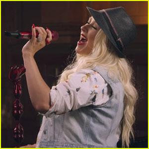 Christina Aguilera Teaches Online MasterClass - Watch Now!