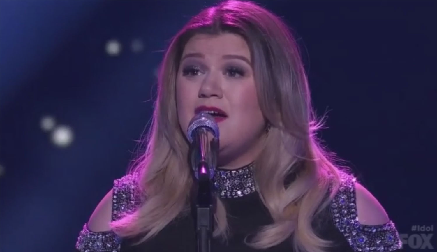 Kelly clarkson weight gain 2013 grammys kelly clarkson performs on