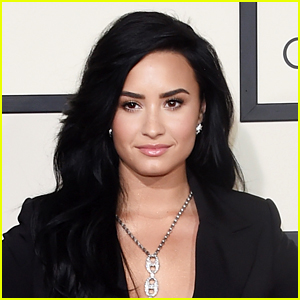Demi Lovato Speaks Out on Women Empowerment in Support of Kesha