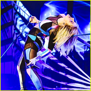 Ellie Goulding Shares Live Performance Video For 'Something in the Way You Move' - Watch Now!