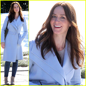 Emily Blunt Is Glowing On Set After Pregnancy Announcement