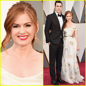 Isla Fisher & Sacha Baron Cohen Pose for Pics at Oscars 2016