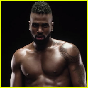 Jason Derulo Bares It All in 'Naked' Music Video