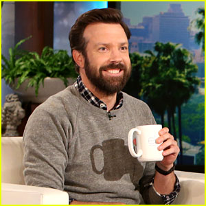 Jason Sudeikis Compares Will Forte's New Hair to 'Showgirls'