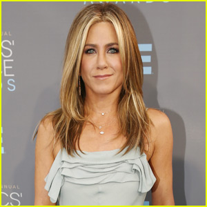 Jennifer Aniston to Star in 'Office Christmas Party'