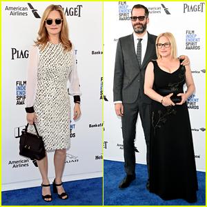 Jennifer Jason Leigh & Patricia Arquette Present at Spirit Awards 2016