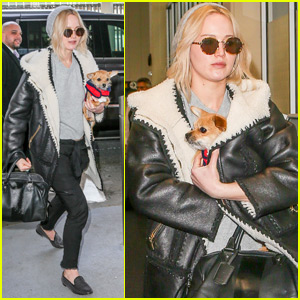 Jennifer Lawrence Jets Out of NYC with Pet Pooch Pippi!