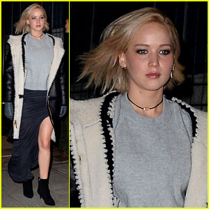 Jennifer Lawrence Puts On a Leggy Display for NYC Dinner!