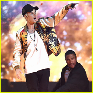 Justin Bieber's BRIT Awards 2016 Performance Video - WATCH NOW!