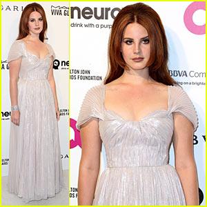 Lana Del Rey Sparkles in Bulgari at Elton John's Oscar Party