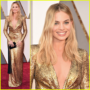 Margot Robbie Is a Golden Girl on Oscars 2016 Red Carpet