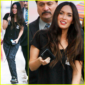 Megan Fox Reads Jimmy Kimmel & Guillermo's Palms - Watch!